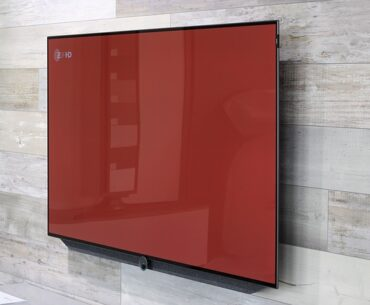 What to clean tv screen with