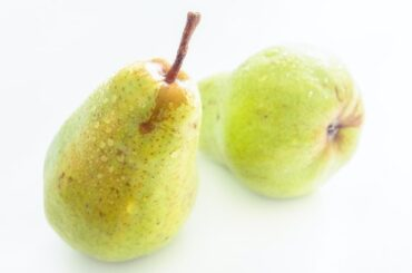 How to eat pear
